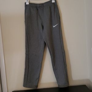 Nike Boys Tapered Fit Fleece Pants